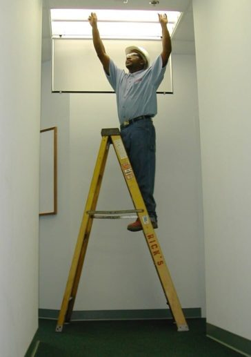interior-lighting-technician